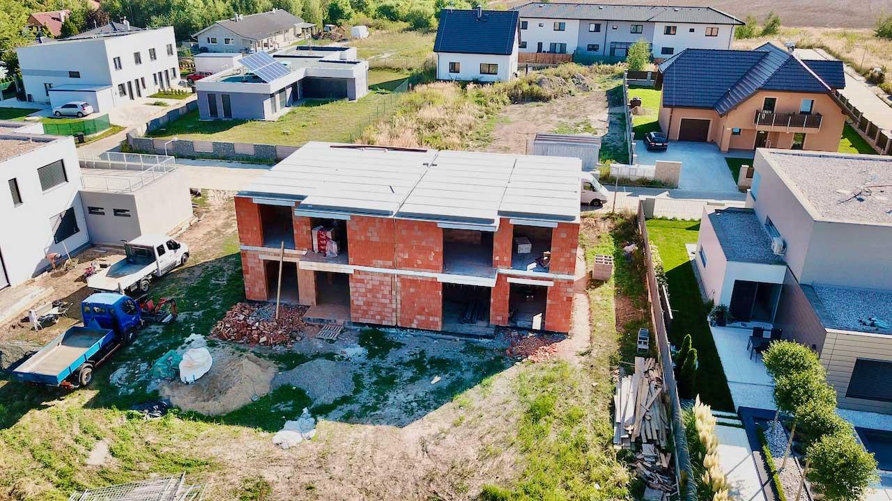 Domy v Horoušanech